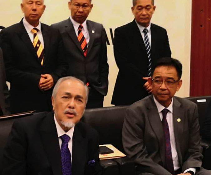 Sarawak mahu lihat RUU Perkara 1(2) Perlembagaan Persekutuan sebelum bersetuju
