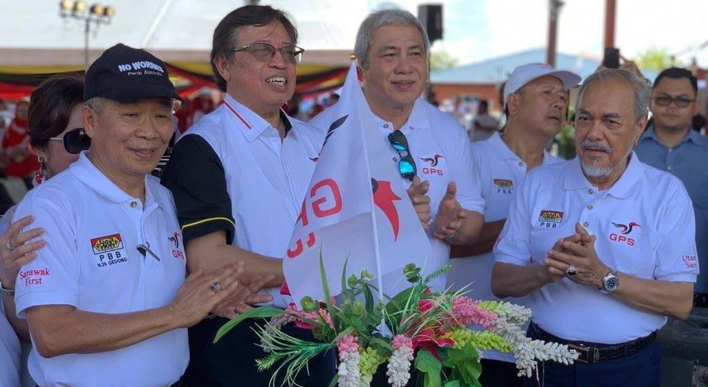 Perintah Sarawak enda 'buruk siku' baka perintah besai