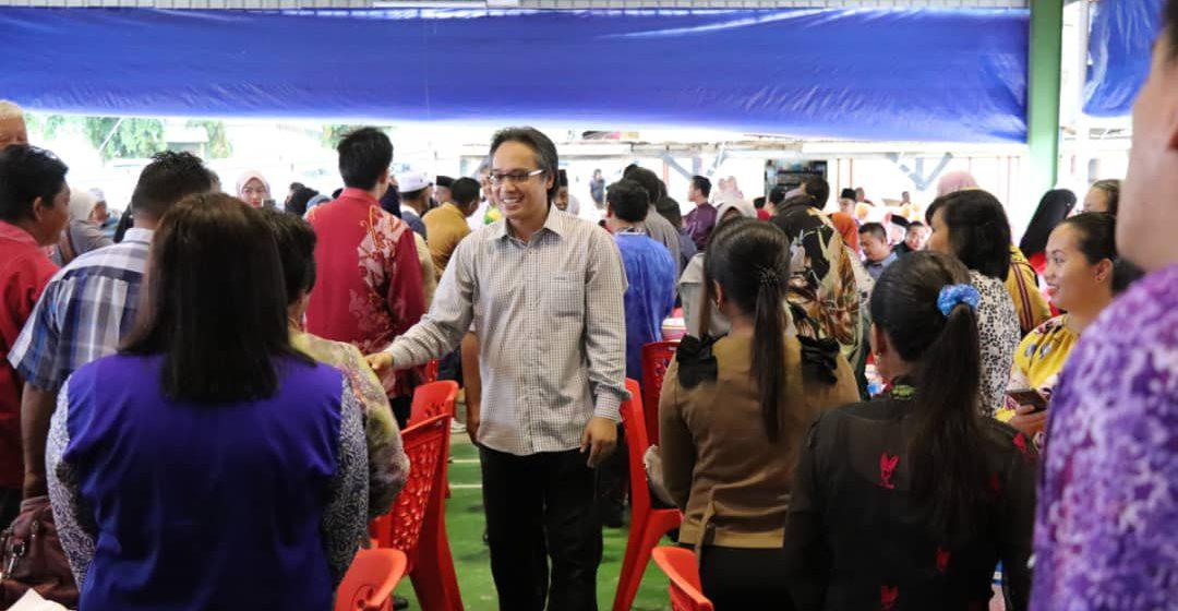 Razi agih RM152,000 untuk sekolah