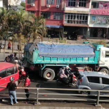 Kemalangan berantai di jejambat Satok