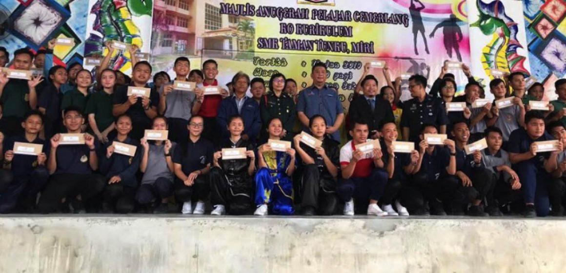 Baiki sistem pendidikan Sarawak