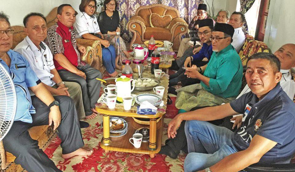 Cina, Dayak, Melayu semeja nikmati juadah raya