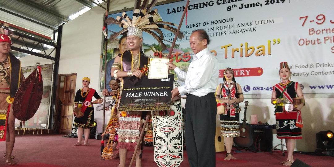 Matthew, Suziana menggi gelar Mister & Miss Borneo Tribal Fest 2019