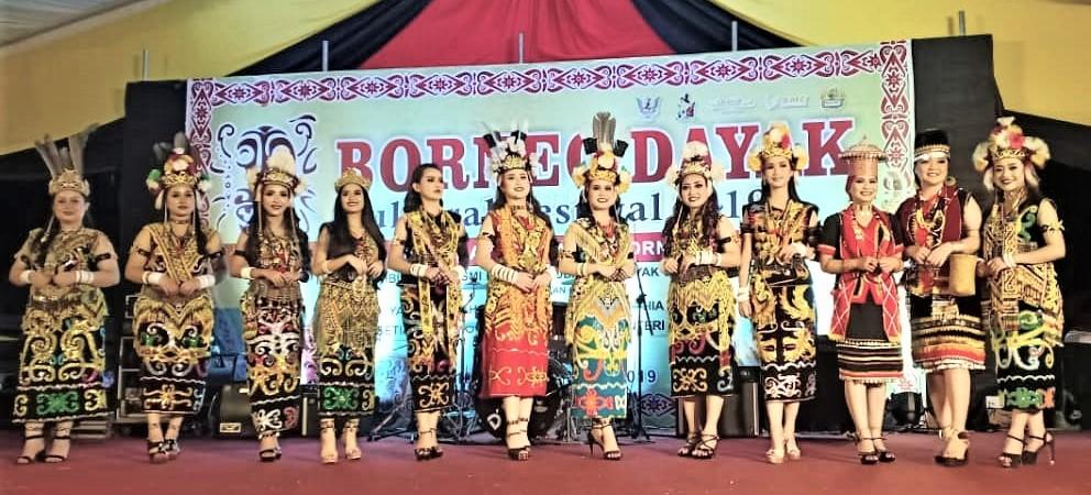 12 finalis buru gelaran Miss Borneo