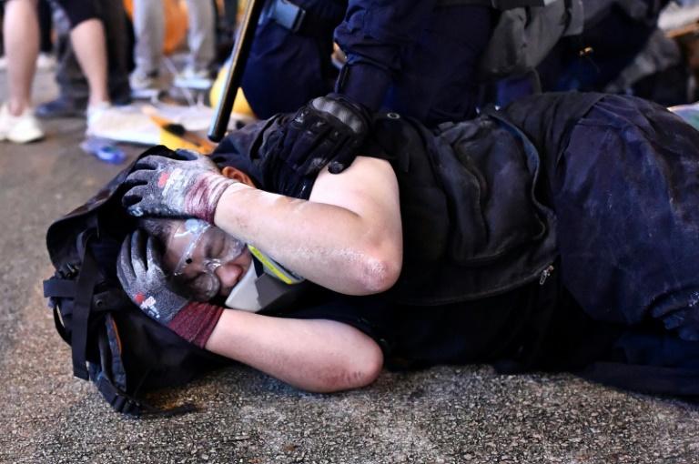 Penunjuk perasaan prodemokrasi Hong Kong dihadap ke mahkamah