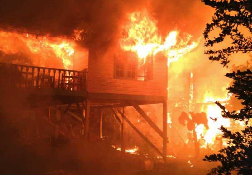 Tiga rumah jadi abu, 20 hilang tempat tinggal