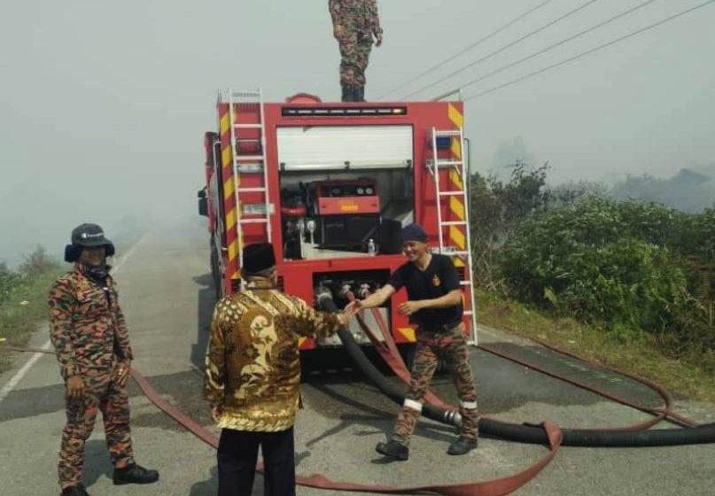 Abu Seman zahir simpati penduduk terjejas kebakaran hutan di Kampung Sedi