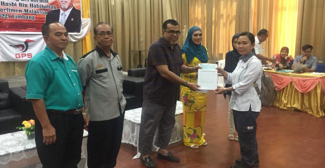 Ahli Parlimen Limbang serah geran berjumlah RM582,000