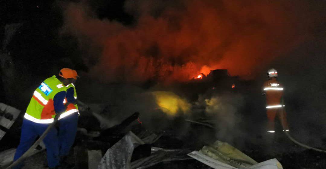 Seorang maut, 60 hilang tempat tinggal rumah pekerja musnah di Setapang