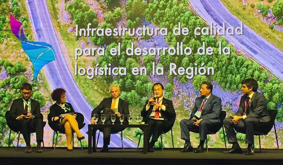 Buah pemansang infrastruktur ari Santiago