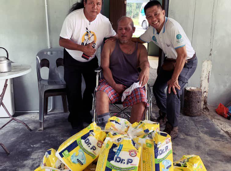 Walin terima bantuan Hope Place Kuching