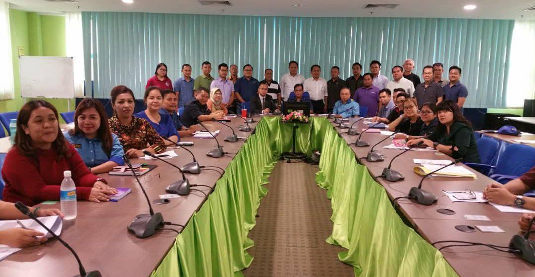Bala indu dara diperansang nyereta Pekit Ratu Agrofest