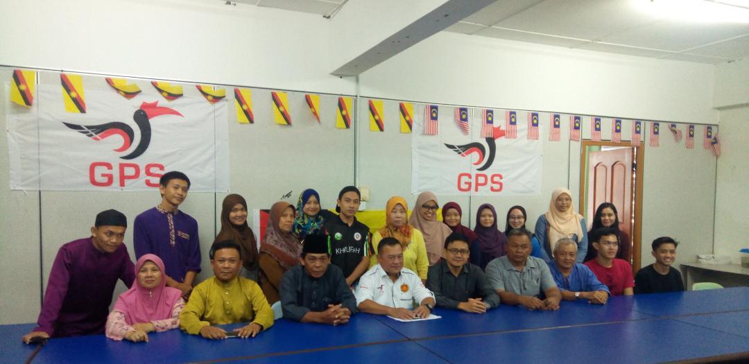12 orang pelajar terima bantuan di Mukah