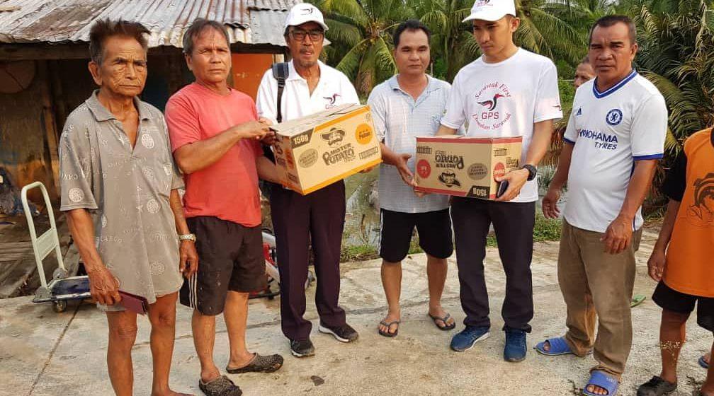 Wakil rakyat GPS hulur sumbangan kilat bantu mangsa kebakaran rumah panjang di Stalon Belawai