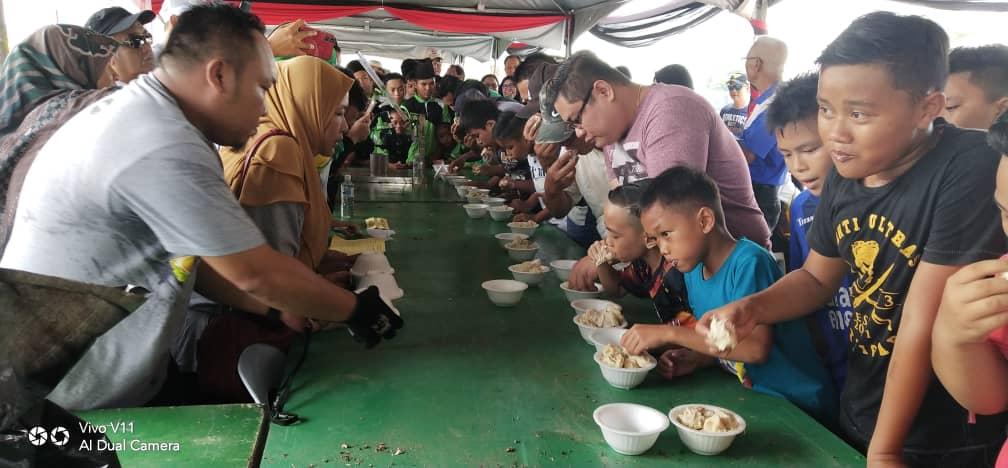 Lebih 400 sertai Lan Berambeh Makan Durian di Bintulu