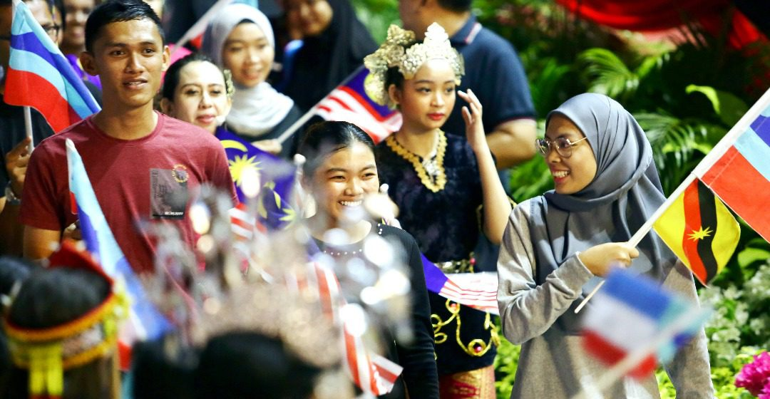 1000 penyereta ngerichah pengerami Hari Malaysia