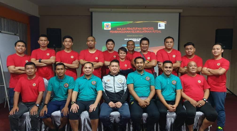 15 peserta tamat Bengkel Pembangunan Kejurulatihan Futsal