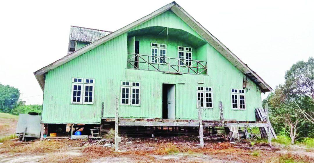 Rumah tembawai 'De Konjourieng' di Saratok enda berantu