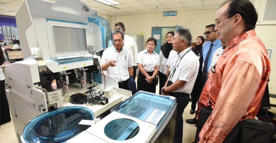 Malaysia LNG sumbang tiga peralatan perubatan kepada Hospital Bintulu