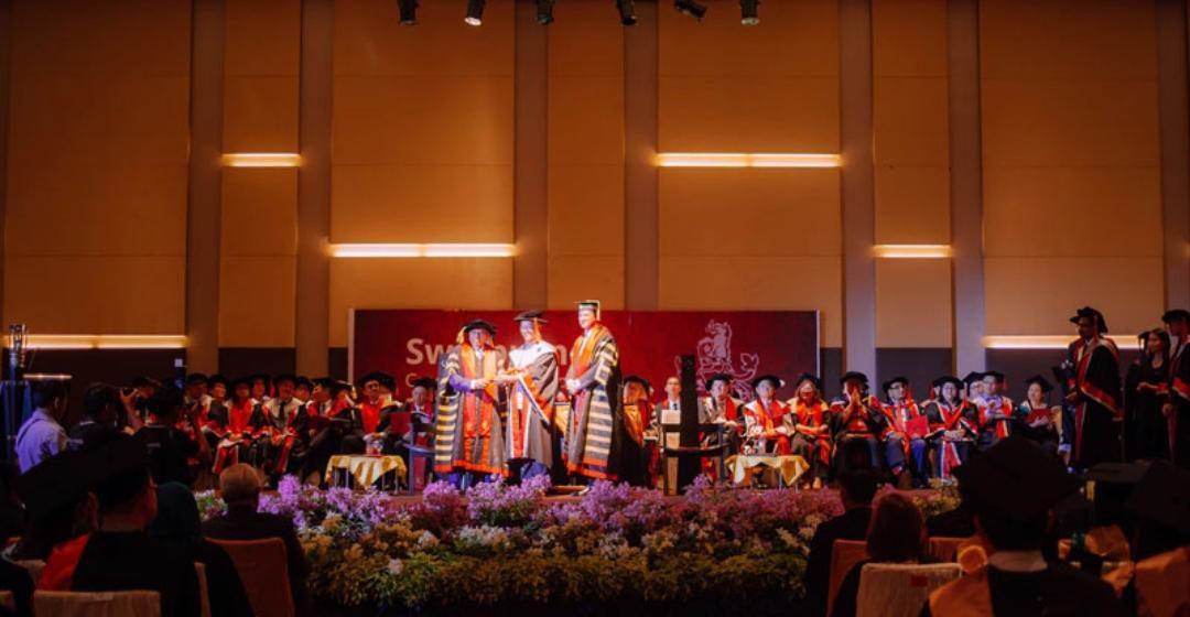 314 graduet Swinburne S'wak nyulut