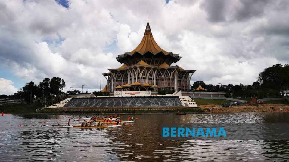1,400 peserta dari 14 negara sertai Regatta Bot Naga Sarawak