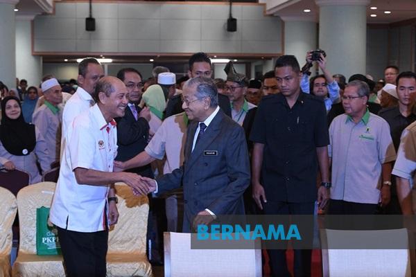 Ceburi tanaman sayur dan buah-buahan – Dr Mahathir