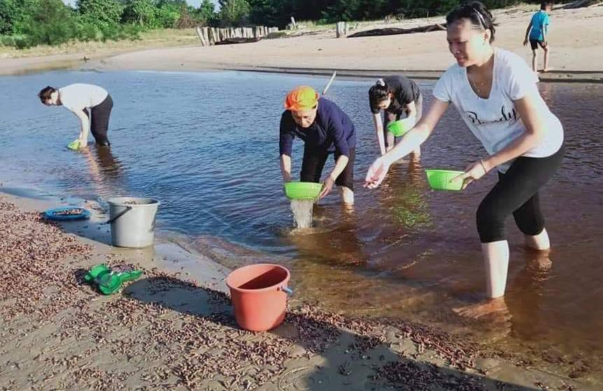 Misteri tekoyong terdampar di Pantai Bakam