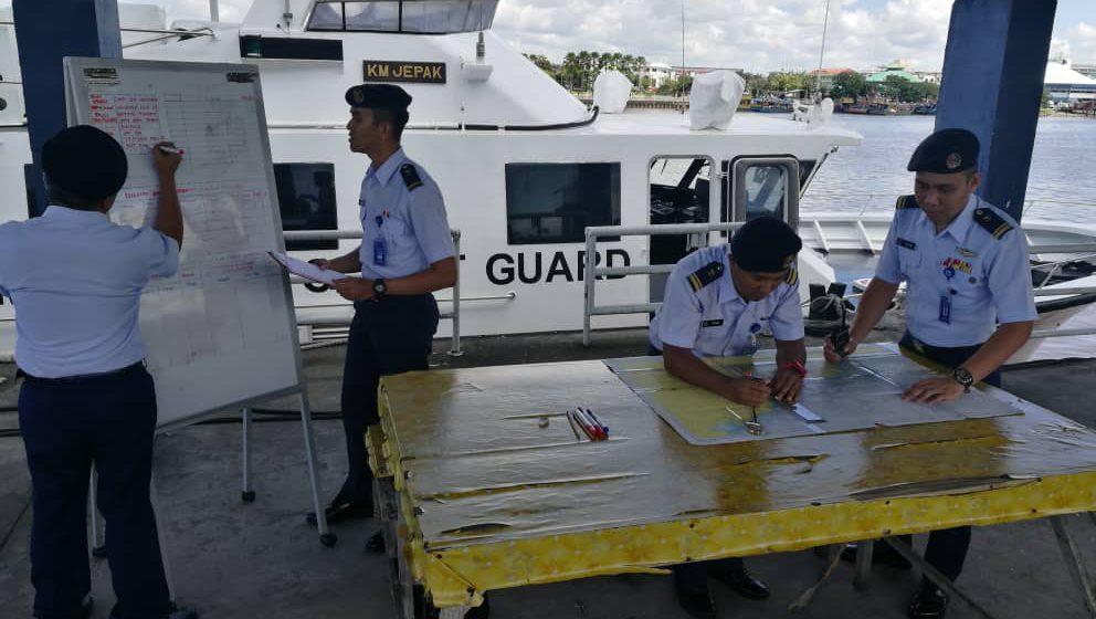 Operasi carilamat tiga nelayan hilang digerakkan