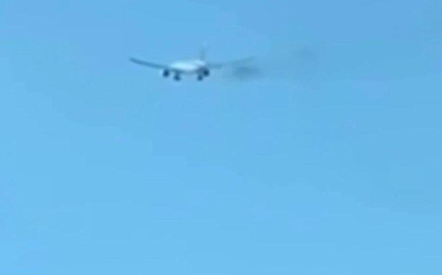 Pesawat Filipina Airlines 777 terbakar di udara