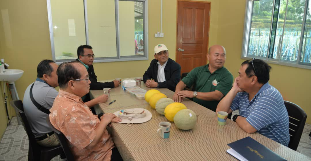 Pelbagai bantuan tersedia untuk petani Sarawak – Uggah