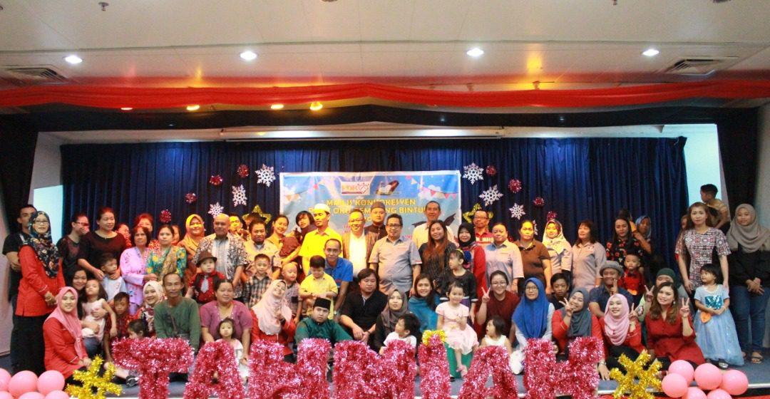 Sepuluh pelatih OKU Bintulu diraikan dalam majlis