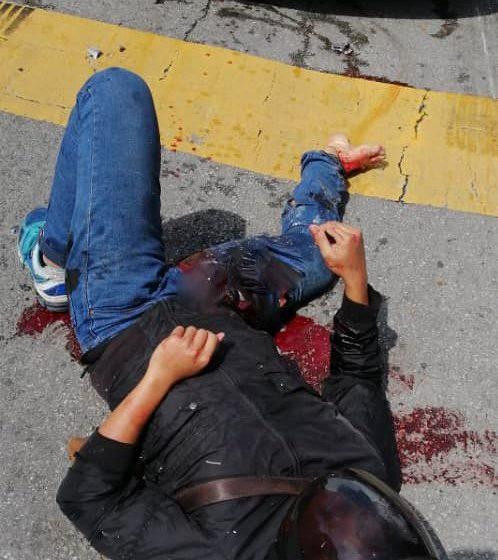 Sebuah motosikal dan tiga kereta terlibat kemalangan di Jalan Puncak Borneo