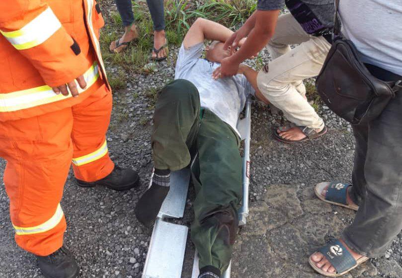Lelaki patah kaki dalam kemalangan lori bertembung treller