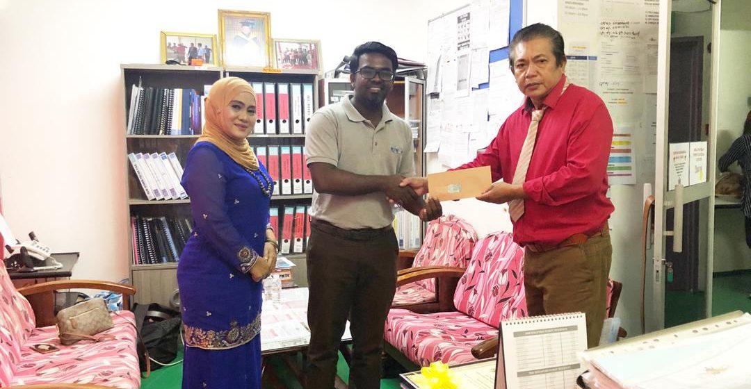 Badan korporat sumbang Food Bank siswa di Bintulu
