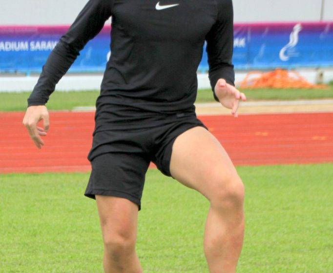 Bekas jurulatih mahu jadi pemain Kuching FA