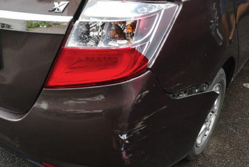 Penunggang motorsikal cedera ringan berlanggar kereta