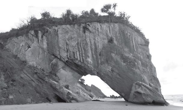 Hilang monumen di Pantai Tusan