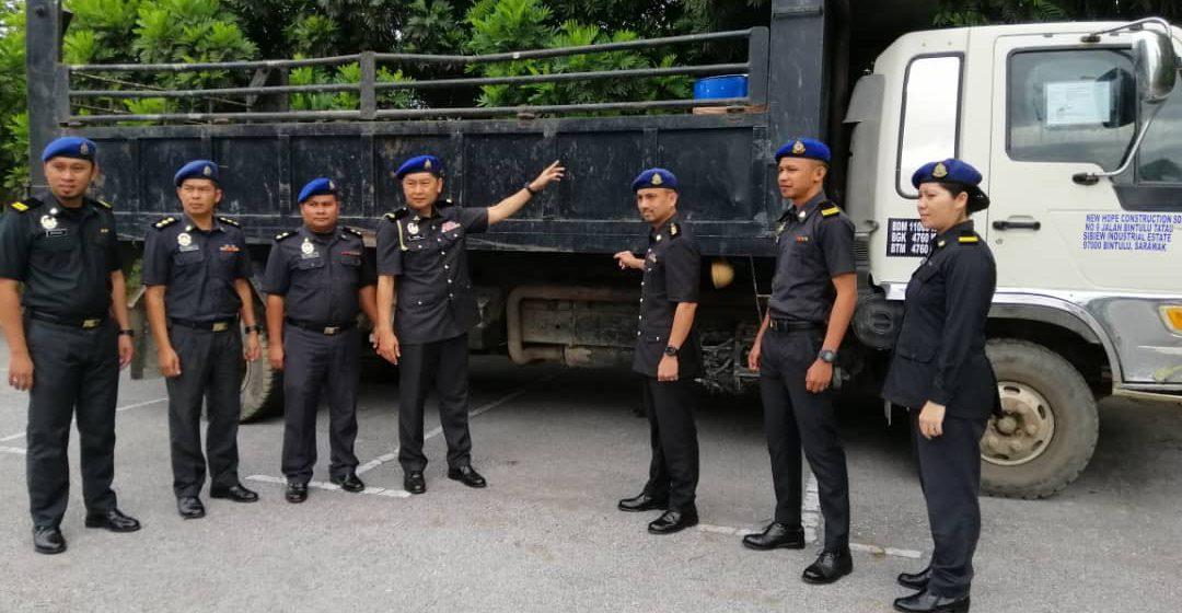 Tiga dram minyak diesel, lori berjaya disita kerana beli tanpa permit di Mukah