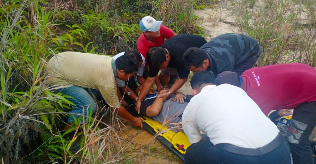 Tiga lelaki terselamat dalam kemalangan kendiri di Miri