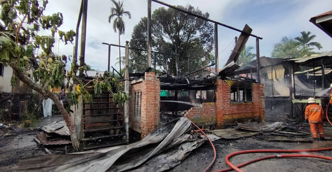 Lelaki OKU hampir jadi mangsa kebakaran rumah pagi tadi