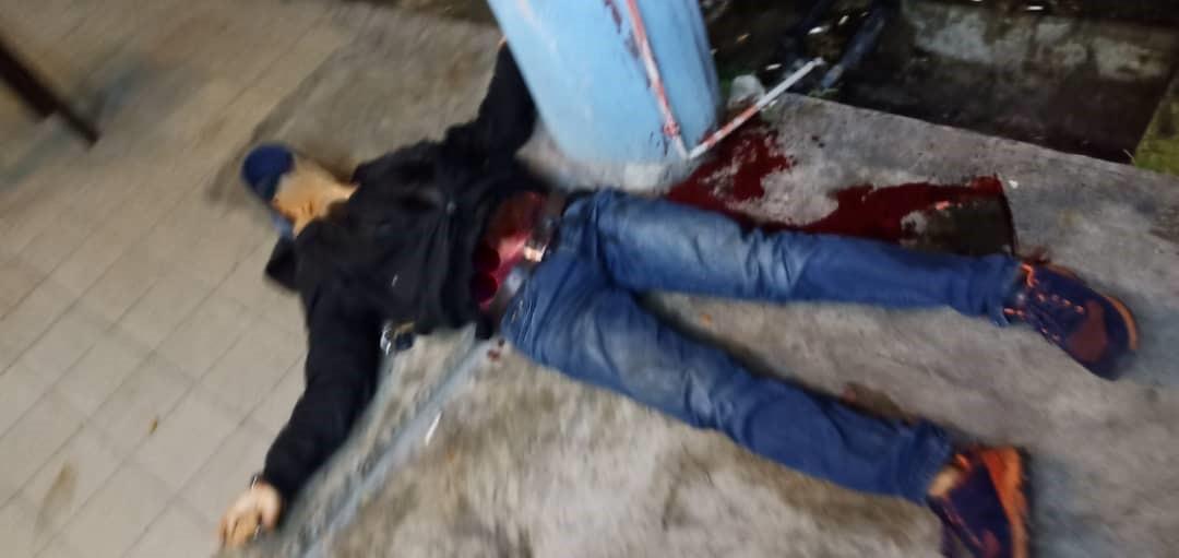 Lelaki maut dipercayai ditikam di RPR Batu Kawa