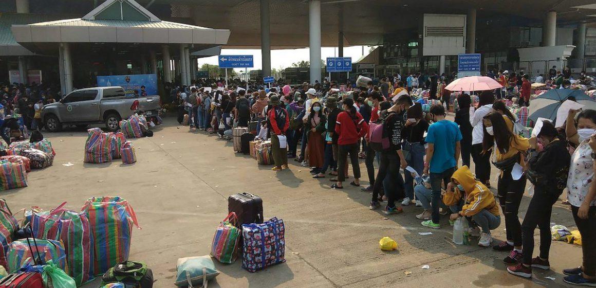 Thailand isytihar darurat, ribuan pekerja berpusu-pusu tinggalkan Bangkok