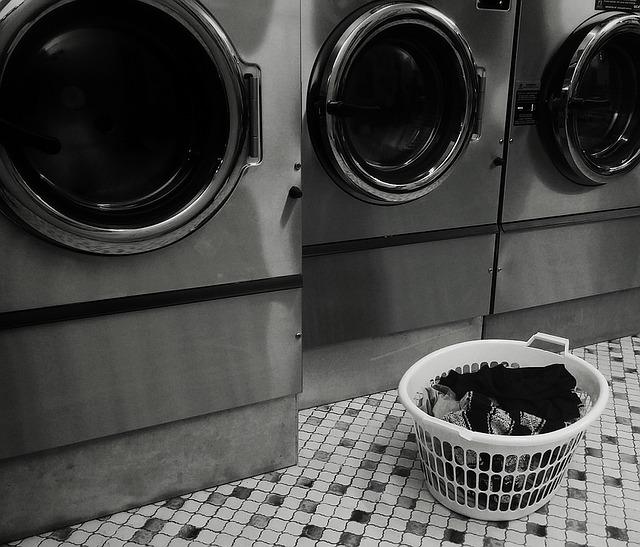 Premis cuci pakaian ditutup serta-merta