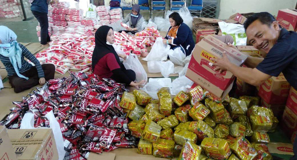 Penyerahan bantuan makanan PKP peringkat Dun Jemoreng