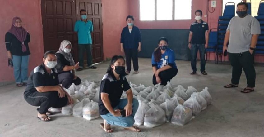 PIBG SK Kampung Tellian agih bantuan bakul makanan PKP Covid-19