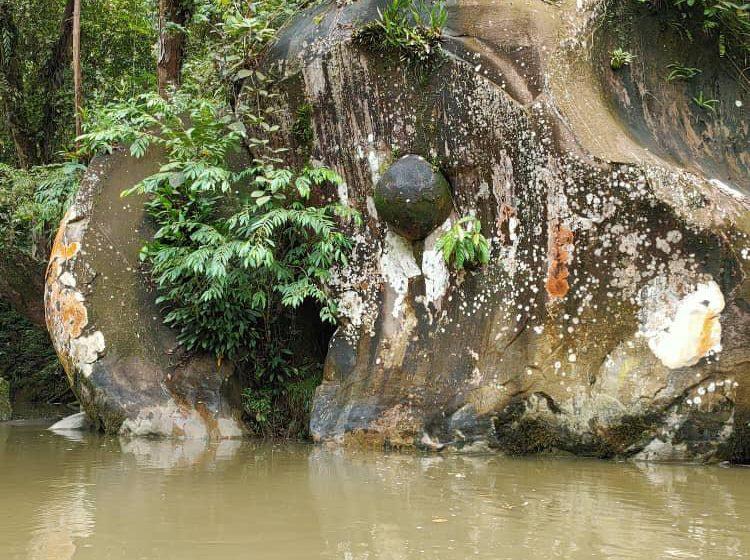 Batu Gong di Ulu Katibas kelai tulung Orang Panggau