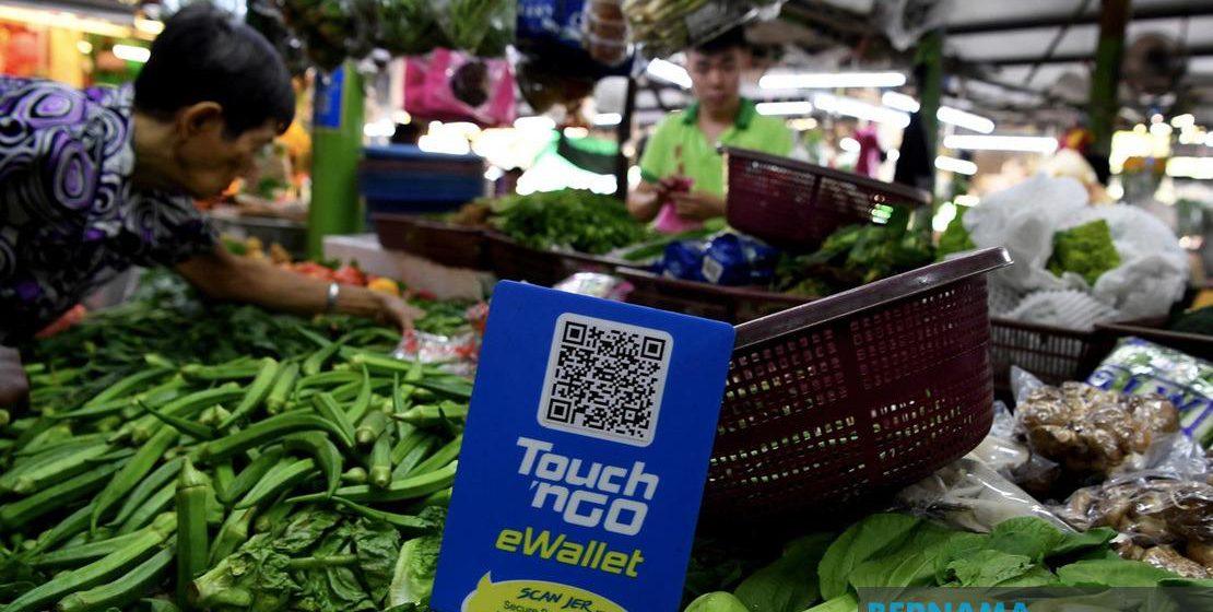 Pasar awam guna sistem e-dompet