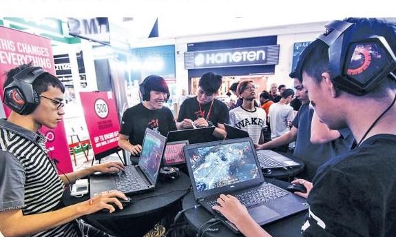 E-sukan jana RM18,000 sebulan