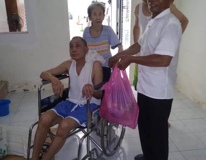 Sebana raban Asnaf, OKU di Tanjung Bijat nerima perati Norina