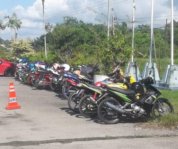 Rindu tunggang motosikal, 25 individu kena kompuan rentas daerah tanpa kebenaran